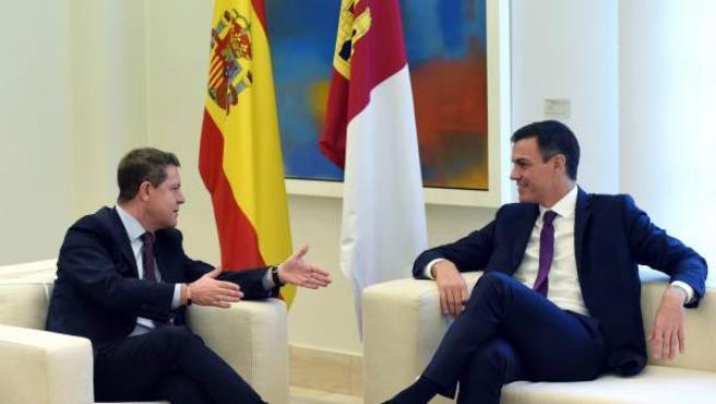 García-Page y Sánchez, durante su reunión en Moncloa.