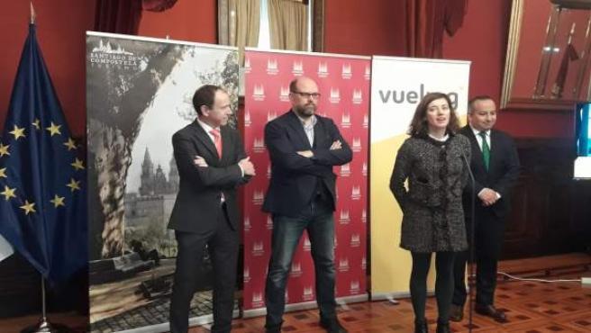 Presentación en el Ayuntamiento de Santiago de la mejora de los servicios de Vue