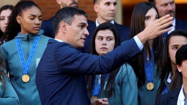 El presidente del Gobierno recibe en La Moncloa a la Selección Femenina de Baloncesto Sub-17.