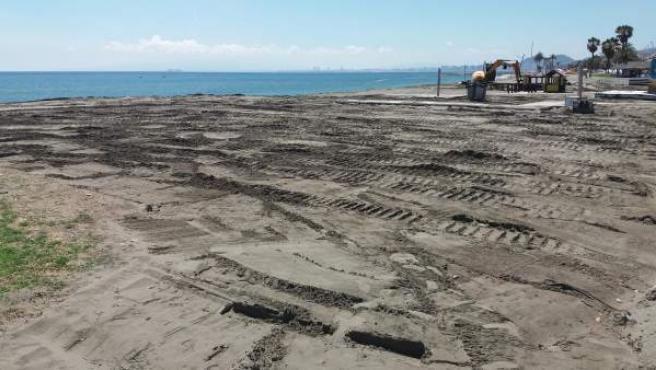 Oxigenación de la arena de playa de málaga trabajos mejora intervención
