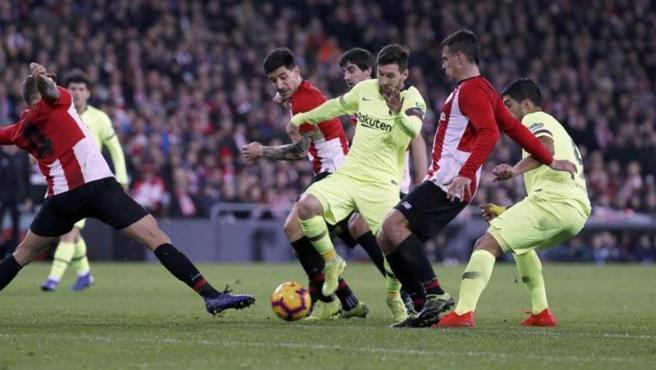 Partido entre Athletic y Barcelona.