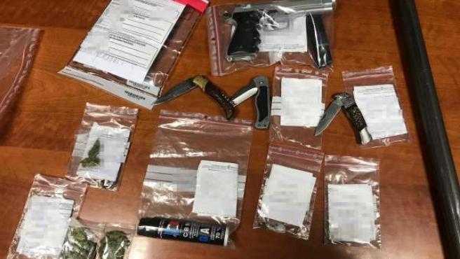 Armas y drogas requisadas por la Policía Foral