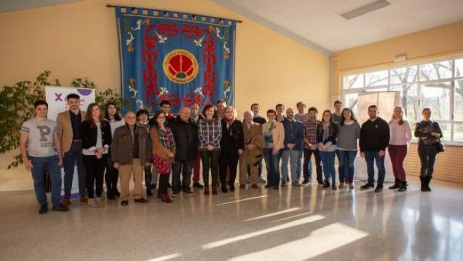 Foto de grupo de los participantes en el programa Explorer 'Jóvenes con ideas' 2