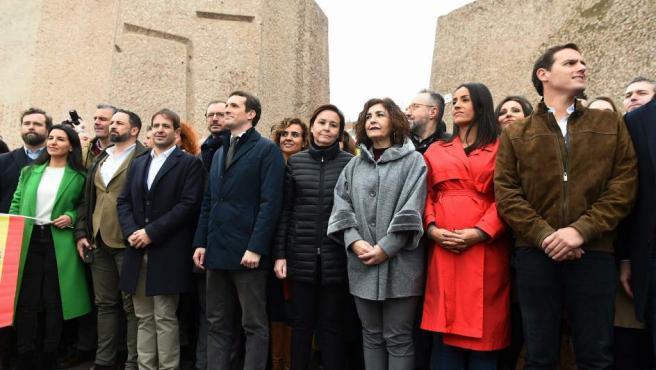 El presidente de Vox, Santiago Abascal, el líder del PP, Pablo Casado, y el líder de Ciudadanos, Albert Rivera, en la plaza de Colón.
