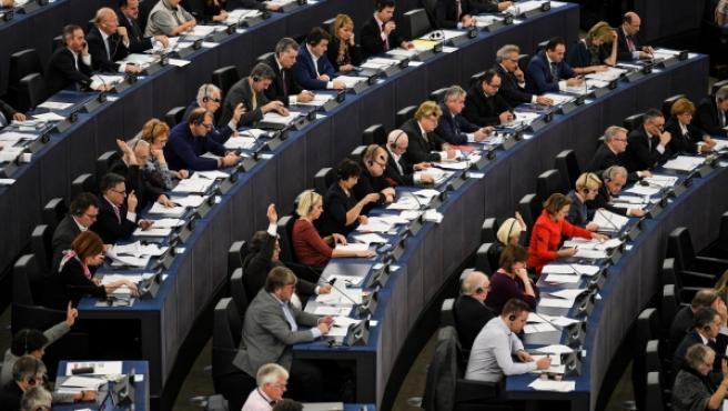 Votación durante el pleno del Parlamento Europeo en Estrasburgo.