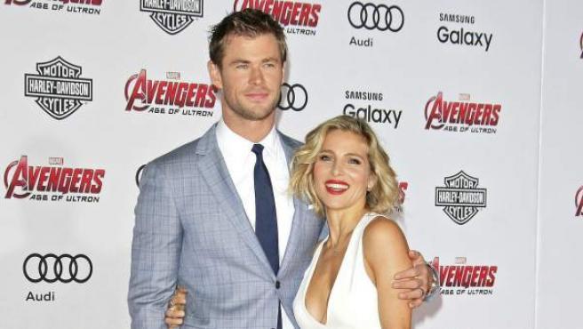 30 centrímetros separan a Chris Hemsworth y Elsa Pataky. Y es que la estrella de 'Los Vengadores' mide 1,91 metros y la española no supera los 1,61 metros cuando se quita los tacones.