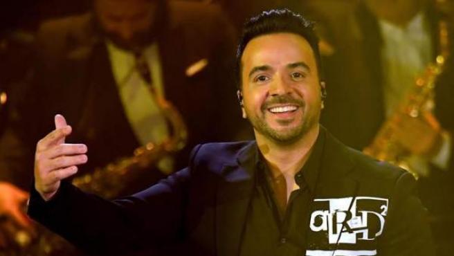 El cantante puertorriqueño Luis Fonsi, durante un concierto en el 69 Festival de la Canción de Sanremo, en Sanremo, Italia.
