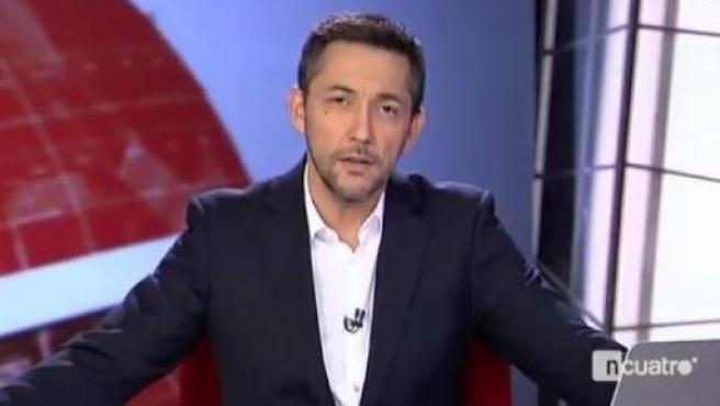 Javier Ruiz despide el último informativo de Noticias Cuatro.
