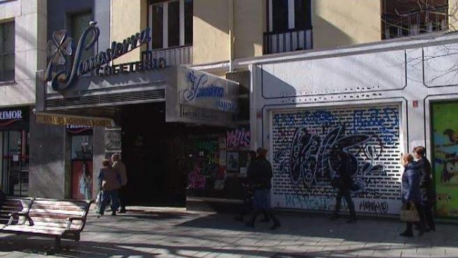Imagen de un comercio cerrado en la calle Fuencarral de Madrid.