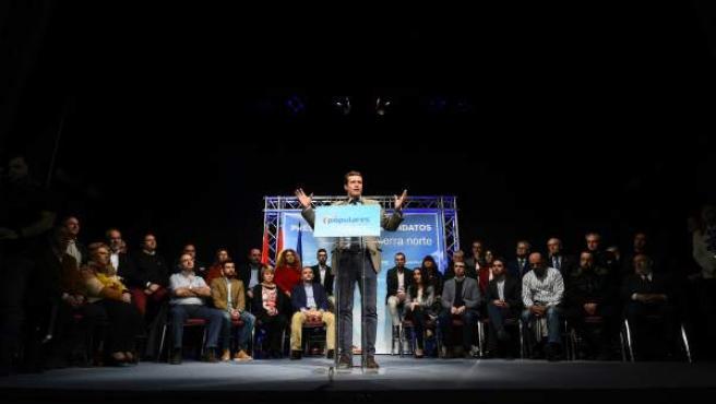 El presidente del PP, Pablo Casado, en la presentación de los 42 candidatos de la Sierra Norte de Madrid durante un acto en Torrelaguna.