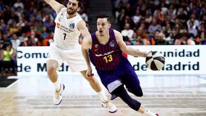 A base de triples, el Barcelona logró ponerse por delante en el último cuarto.