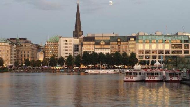 El río Alster, a su paso por Hamburgo (Alemania).