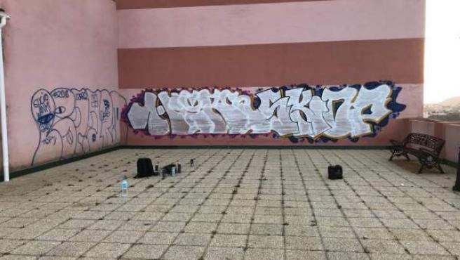 Tres jóvenes denunciandos por realizar grafitis de grandes dimensiones en Rincón