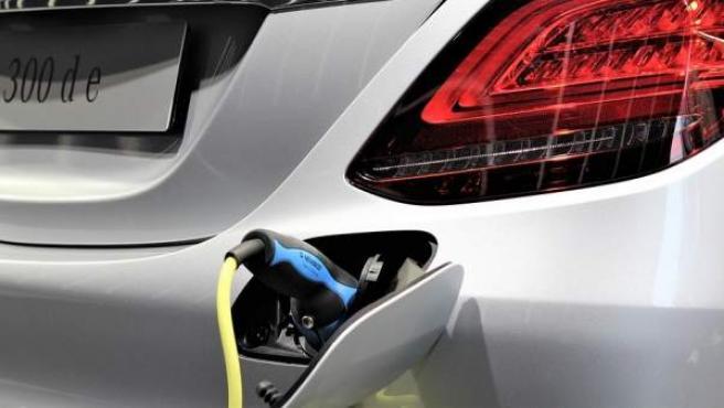Vehículos eléctricos e híbridos: la alternativa para promover la movilidad sostenible.
