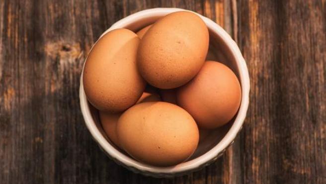Al someter huevos con cáscara un proceso de baja temperatura solo se conseguirá aumentar su volumen y que exploten.