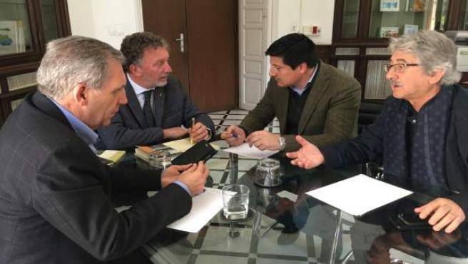 La Junta de Andalucía se compromete a agilizar los planes generales de 52 munici