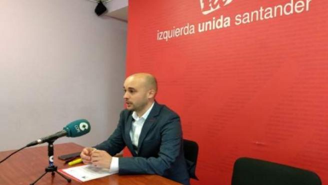 El candidato de IU a la Presidencia de Cantabria, Israel Ruiz Salmón