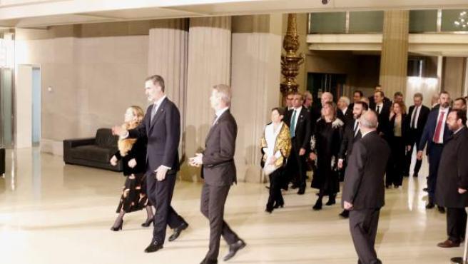 El rey Felipe VI, a su llegada a la recepción del Mobile World Congress de Barcelona.