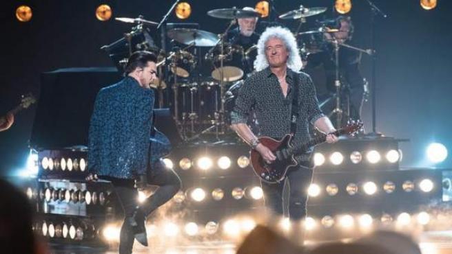 La banda Queen, con Adam Lambert, Brian May y Roger Taylor, durante su actuación en la 91º ceremonia de los premios Oscar.