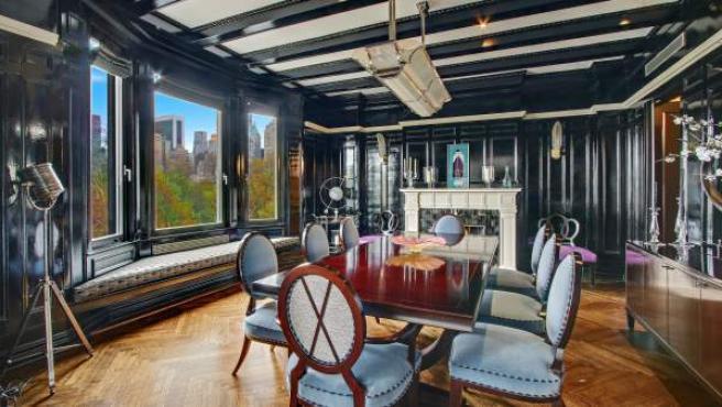 Una de las estancias de la casa que Antonio Banderas tiene a la venta en Nueva York.