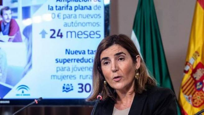 La consejera de Empleo, Formación y Trabajo Autónomo, Rocío Blanco, en la presentación de la ampliación de la tarifa plana para los autónomos andaluces.