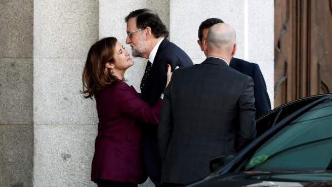 """El expresidente del Gobierno, Mariano Rajoy (2i) a su llegada al Tribunal Supremo donde comparece este miércoles como testigo en el juicio del """"procés""""."""
