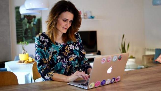 Flavia Scarpa, autónoma que trabaja desde su casa de Majadahonda (Madrid).