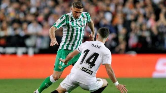 Joaquín y Gayá en el Valencia - Betis de Copa del Rey.