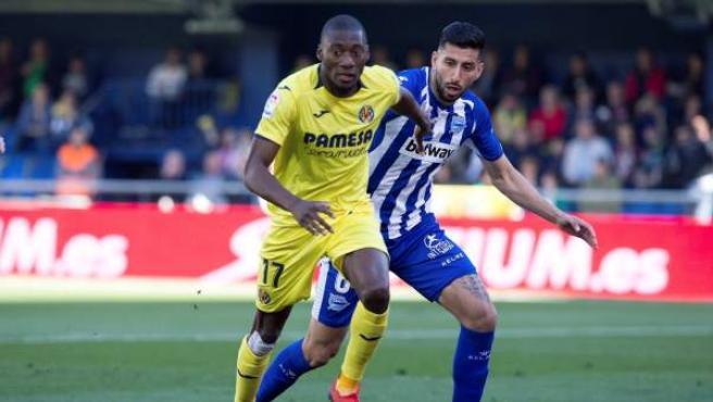 Ekambi y Maripán, en el Villarreal CF - Deportivo Alavés.