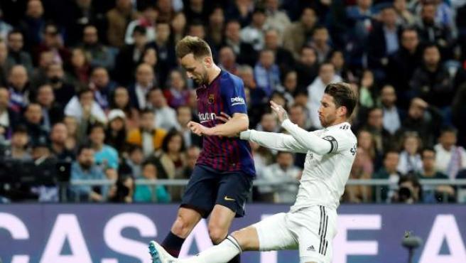 Gol de Rakitic en el Barcelona-Real Madrid.