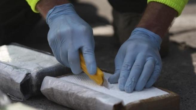 Imagen de archivo de varios fardos de cocaína.