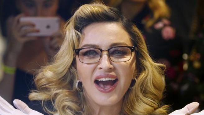 La reina del pop promocionando 'MDNA Skin' en Nueva York