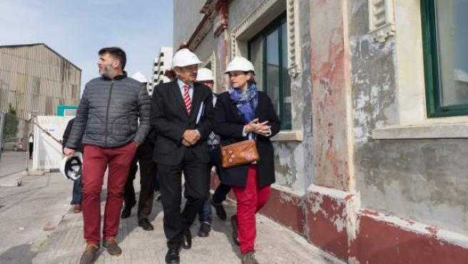 Mazón visita las obras con la alcaldesa de Camargo