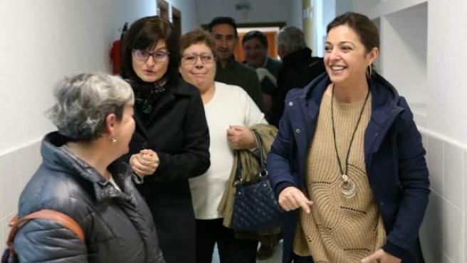 Visita de la alcaldesa y la delegada de Infraestructuras al Centro de Educación