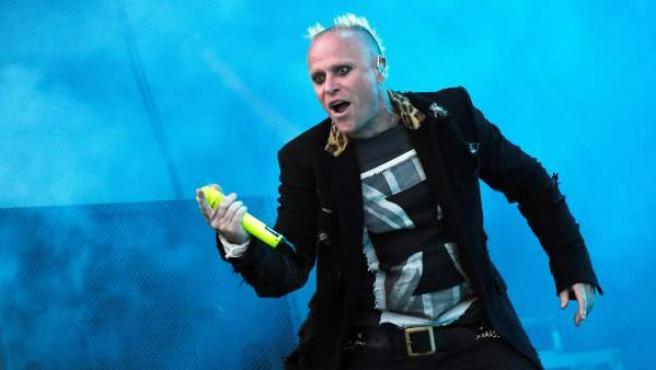 Fotografía de archivo del cantante de The Prodigy, Keith Flint, durante un concierto en el Festival Les Vieilles Charrues en Carhaix, Francia.