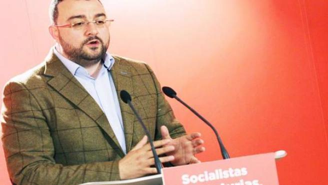 Barbón (FSA-PSOE) llama a 'concentrar los votos' ante la 'situación excepcional'