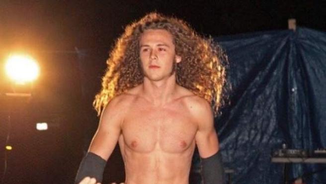 Jack Perry, hijo de Luke Perry conocido como Jungleboy en la lucha libre.
