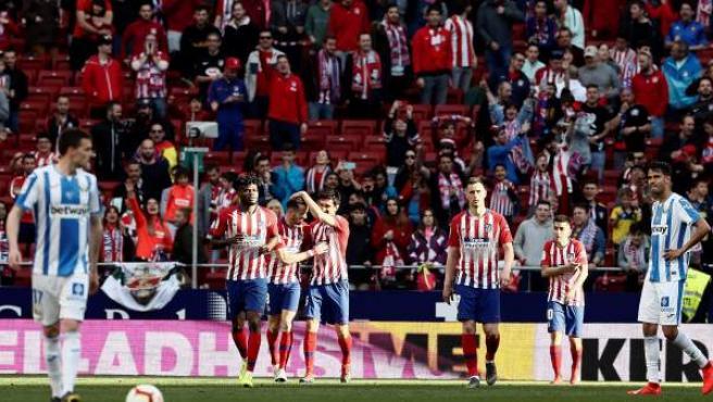 Los jugadores del Atlético de Madrid celebran un gol ante el Leganés.