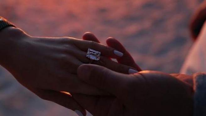 Imagen del anillo de compromiso de Jennifer Lopez.