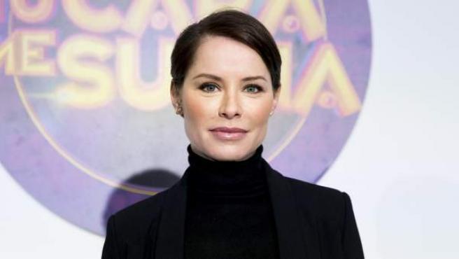 La cantante Soraya Arnelas posa en el photocall del programa 'Tu cara me suena'.