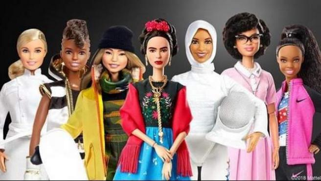 Muñecas Barbie basadas en referentes femeninos.