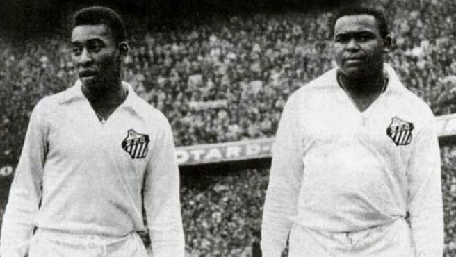 Pelé (izquierda) y Coutinho.