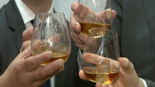 Copas de brandy en una imagen de archivo.