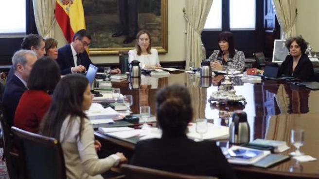 Reunión de la Mesa de la Diputación Permanente del Congreso.