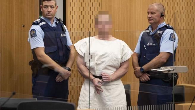 Brenton Tarrant, el ultra australiano que provocó una matanza en Nueva Zelanda, tras ser detenido.