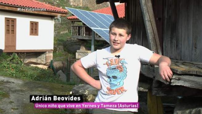 Adrián Beovides, el único niño que vive en Yernes y Tameza, Asturias.