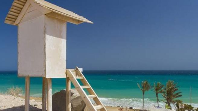 La zona de Playa Barca (Fuerteventura) es conocida por ser donde se celebra todos los años la prueba puntuable para el Campeonato del Mundo de Kiteboarding.