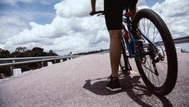 Junto con los peatones y los motoristas, el colectivo de dos ruedas supone el 50% de los muertos en carreteras anuales.