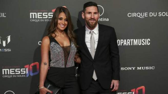 Antonella Roccuzzo y Leo Messi, el pasado 31 de enero en un envento en Barcelona.
