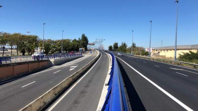 El paso inferior de entrada a la capital del puente del Odiel se abre este domingo